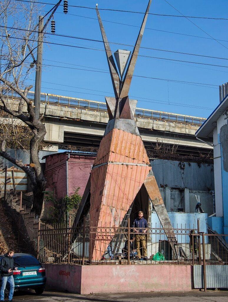 """Скульптура """"Агонь-баба"""" в Одессе"""