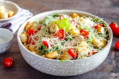 """Найкращий рецепт салату """"Цезар"""" з куркою"""
