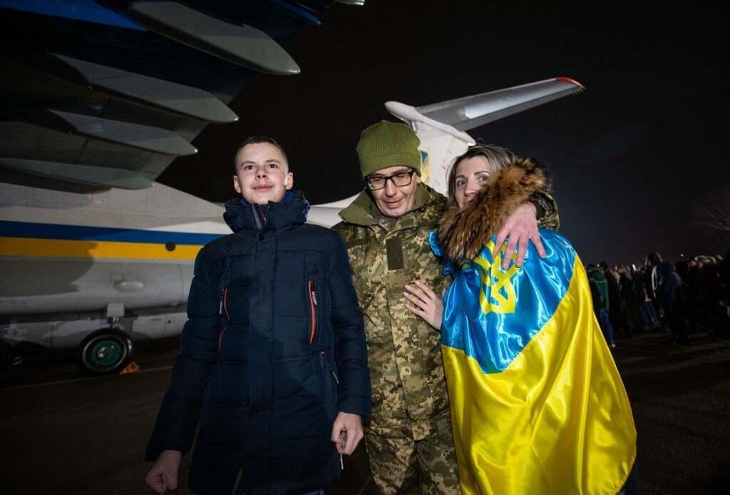"""Украина """"вытащила"""" 76 пленных: кто они"""