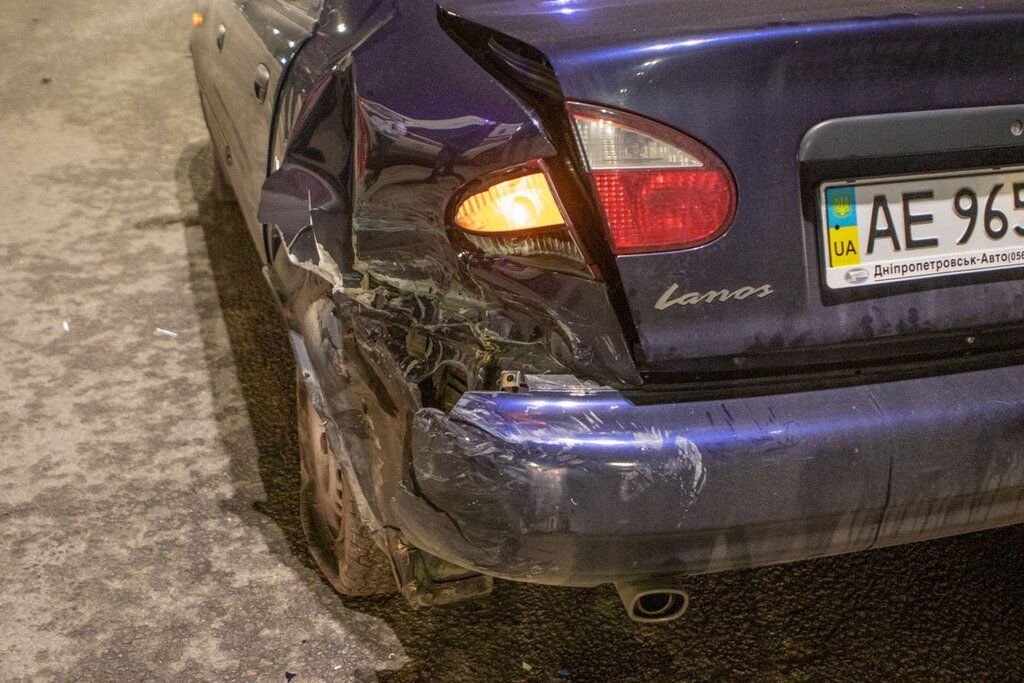 У Дніпрі зіткнулися два легкових авто