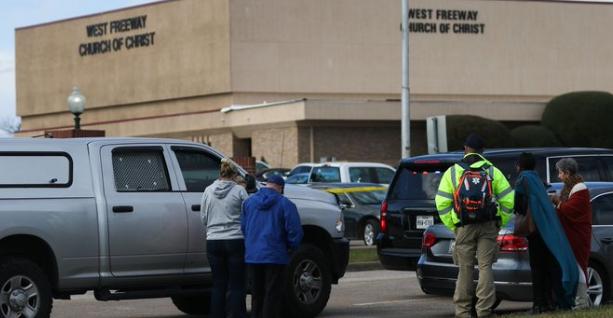 В США в церкви расстреляли людей