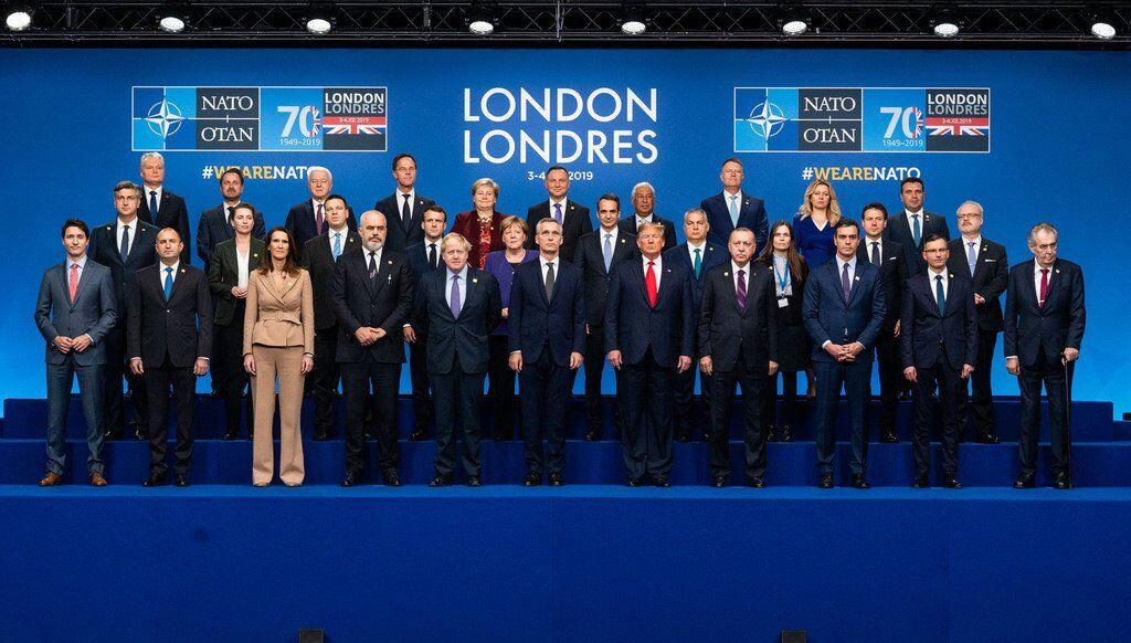 Загальне фото лідерів країн НАТО на ювілейному саміті в Лондоні 4 грудня 2019 року