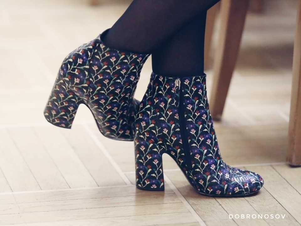 Панчохи, кепка, квітчасті черевики: топ безглуздих жіночих нарядів у новій Раді