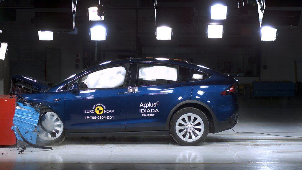 Краш-тести Euro NCAP 2019: Tesla Model X
