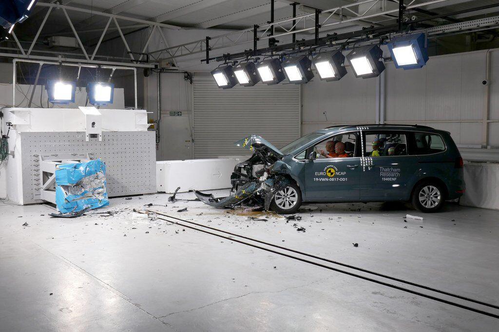 Краш-тести Euro NCAP 2019: VW Sharan
