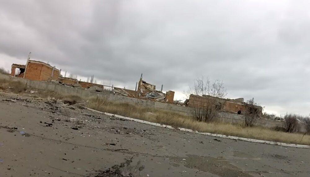 """""""Жуки съели"""": в сеть попали печальные снимки ТЦ в Донецке"""