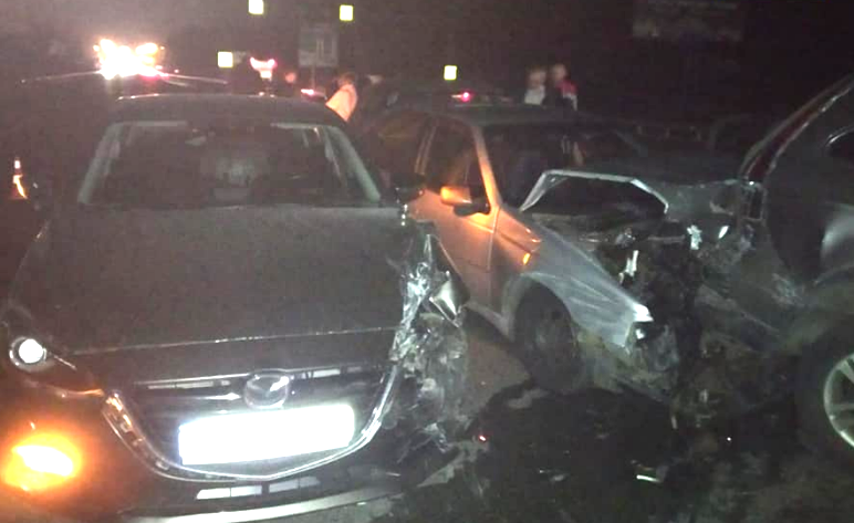 3 ноября в районе перекрестка разбились шесть автомобилей