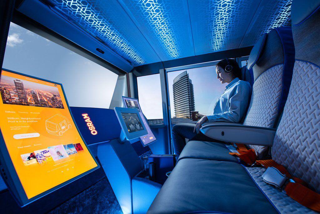 Rinspeed MetroSnap має все необхідне для комунікації із зовнішнім світом