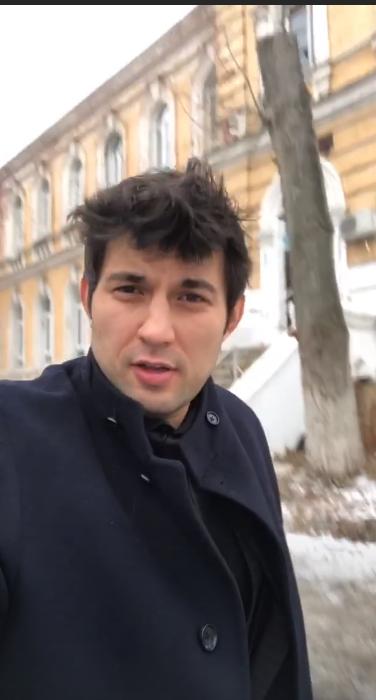 Барі Алібасов-молодший показав, в яку психушку сховав маму