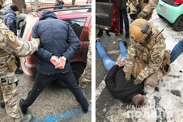 """У Дніпрі спецназівці """"на гарячому"""" спіймали банду рекетирів"""