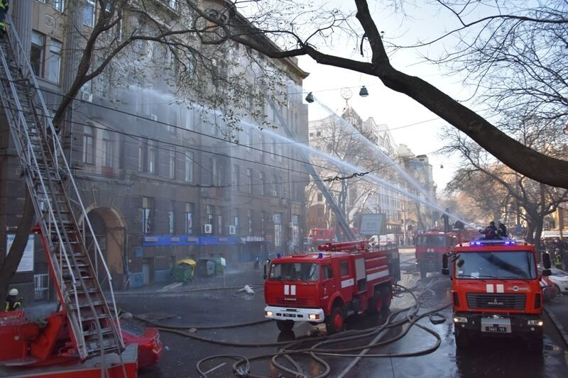 Названо шокирующее число жертв пожара в Одессе