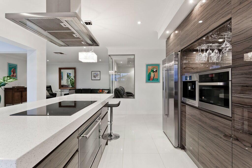Согласно новым ГСН, кухни-ниши можно проектировать в многокомнатных квартирах
