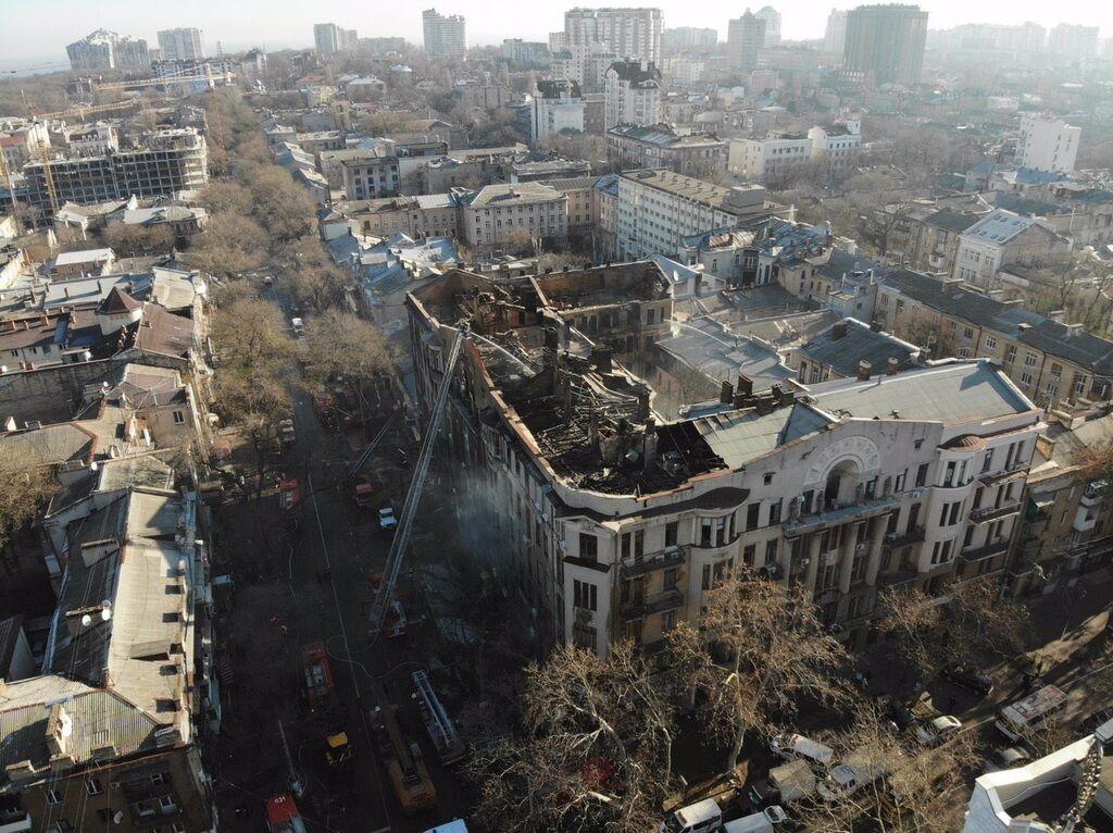 У поліції озвучили версії вогненної трагедії в Одесі