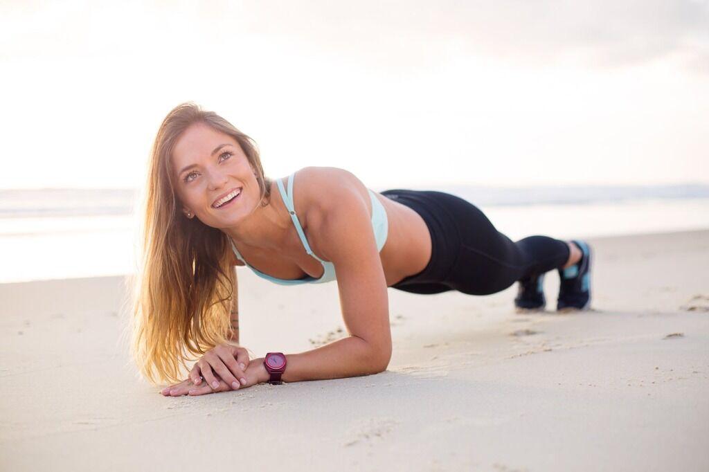 Як позбутися жиру на животі: найкращі вправи