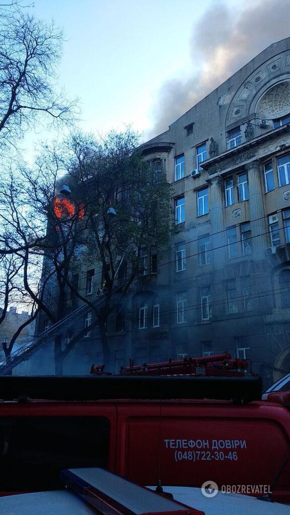 Пожар в здании колледжа