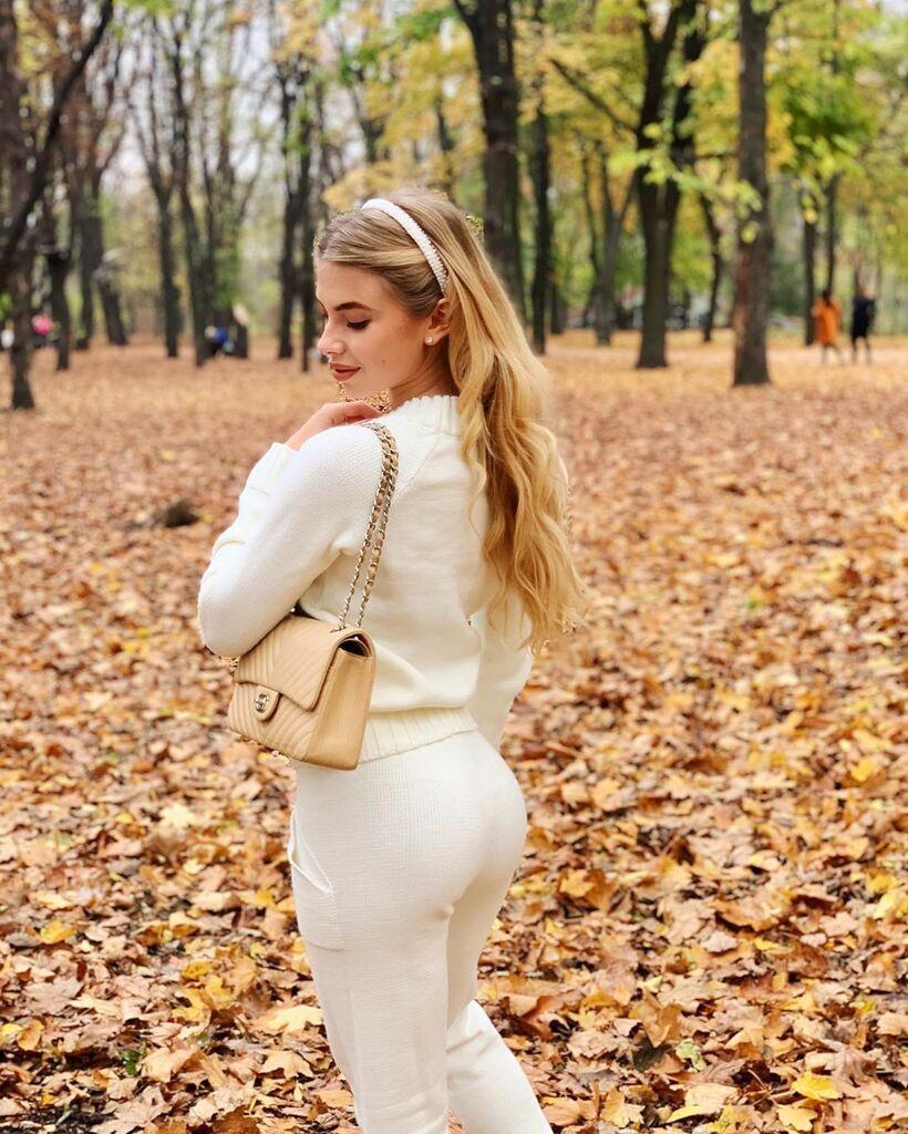 Даша Савина