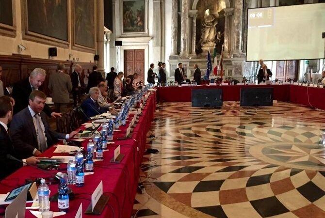 Венецианская комиссия раскритиковала судебную реформу Зеленского