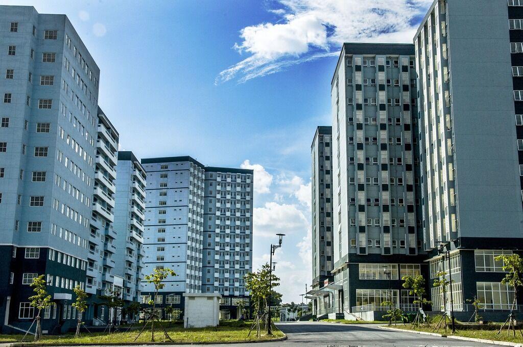 В собственность территориальных общин будет передано 490 общежитий