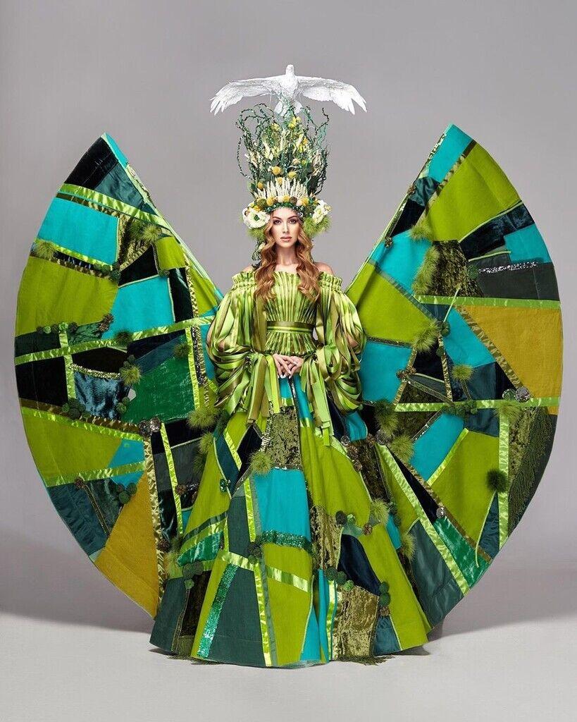 Анастасія Субота – національний костюм для конкурсу