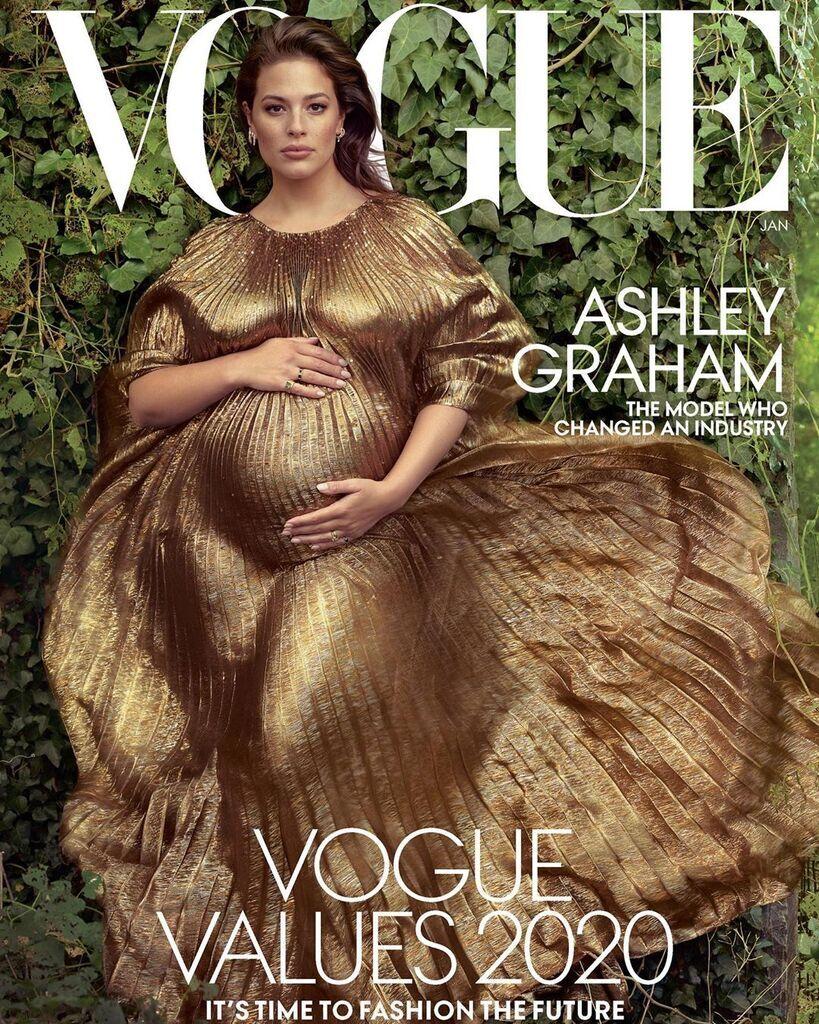 Эшли Грэм на обложке Vogue