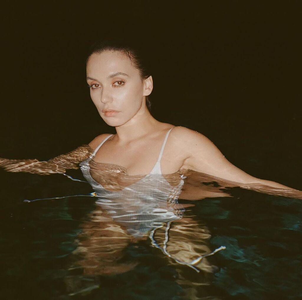 Серябкіна у воді