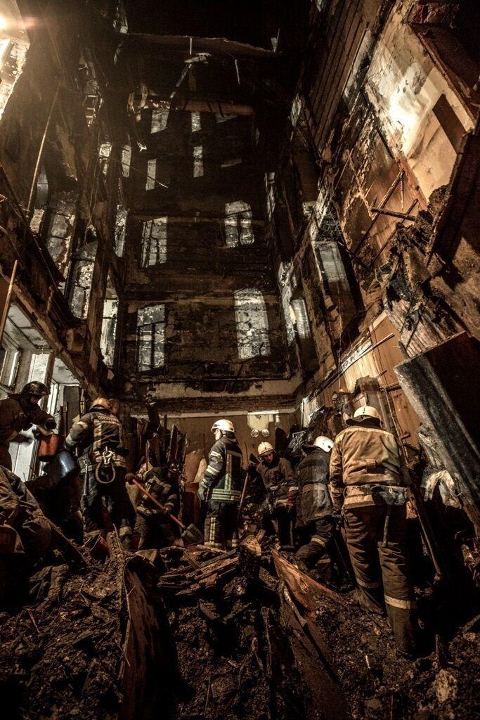 Количество жертв пожара в колледже Одессы возросло