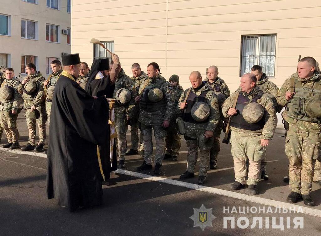 Из Одессы на Донбасс отправились в ротацию спецназовцы полиции