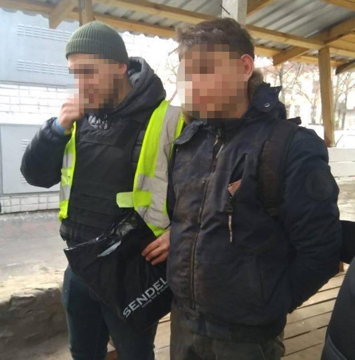 В Киеве парень изнасиловал школьницу