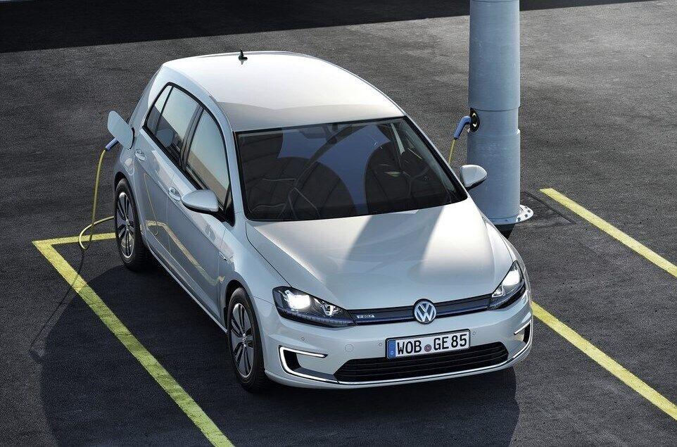 Электромобиль VW e-Golf – один из самых популярных EV в Украине
