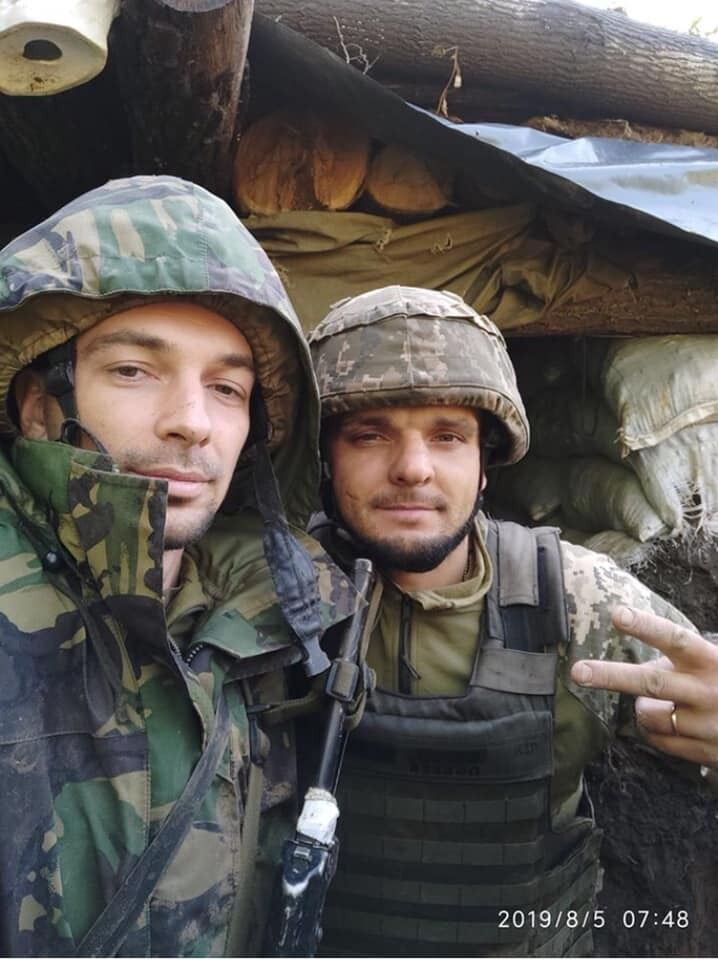 Дмитро Темний (праворуч)
