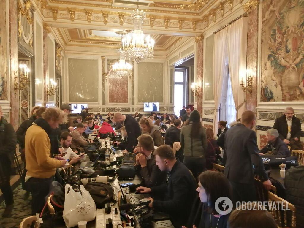Пресс-центр в Елисейском дворце