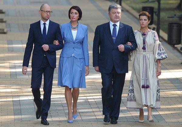 Петр Порошенко с Мариной и Арсений Яценюк с женой Терезией