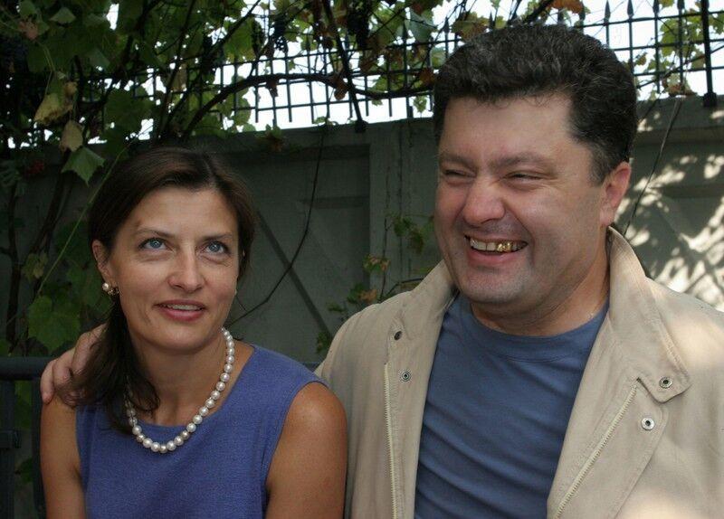 Марине Порошенко — 57: как менялась внешность первой леди Украины photo