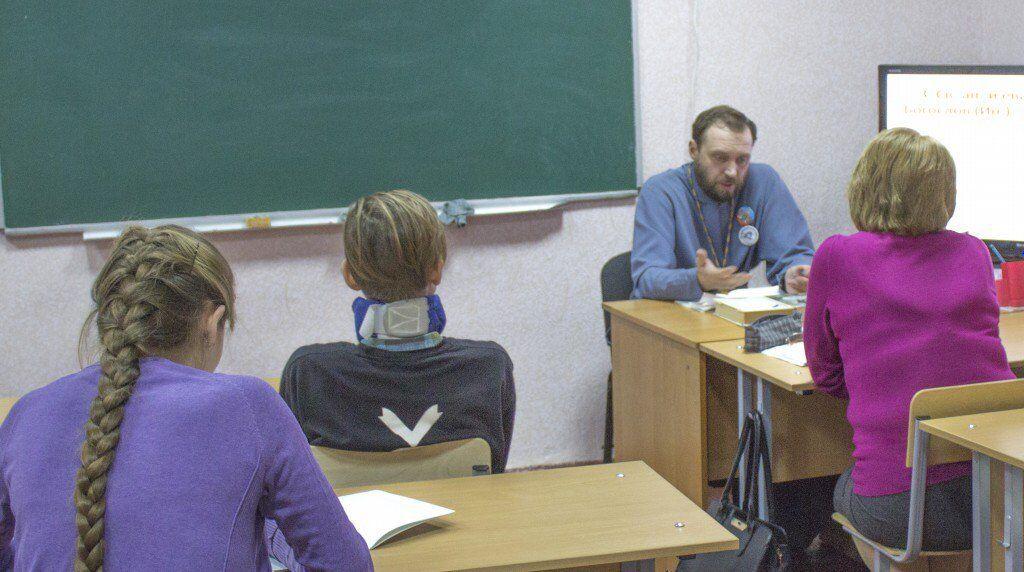 У Луганську забили на сполох через нововведення в школах
