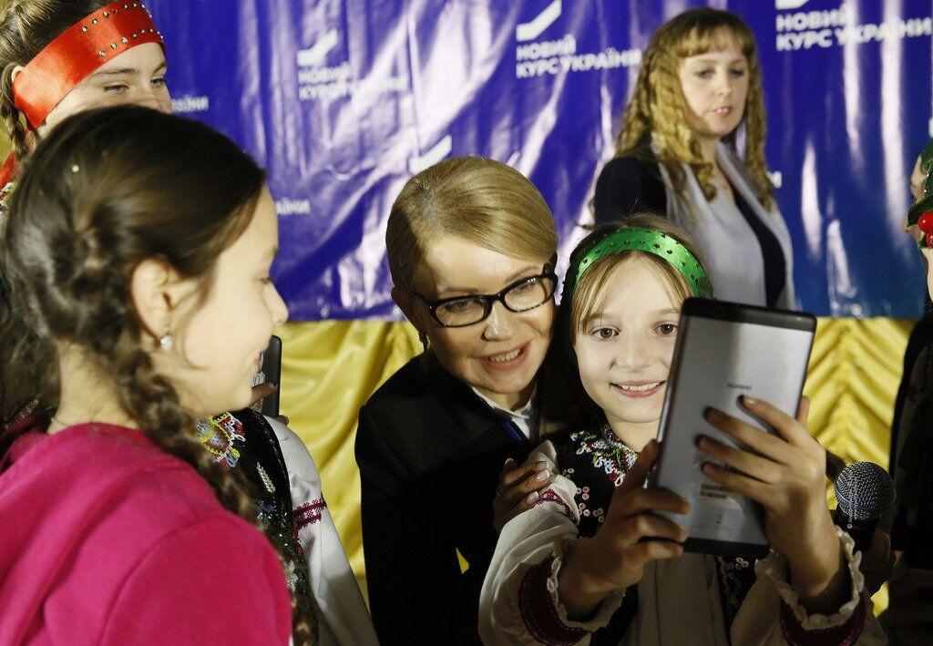 Тимошенко пообіцяла фінансову допомогу матерям