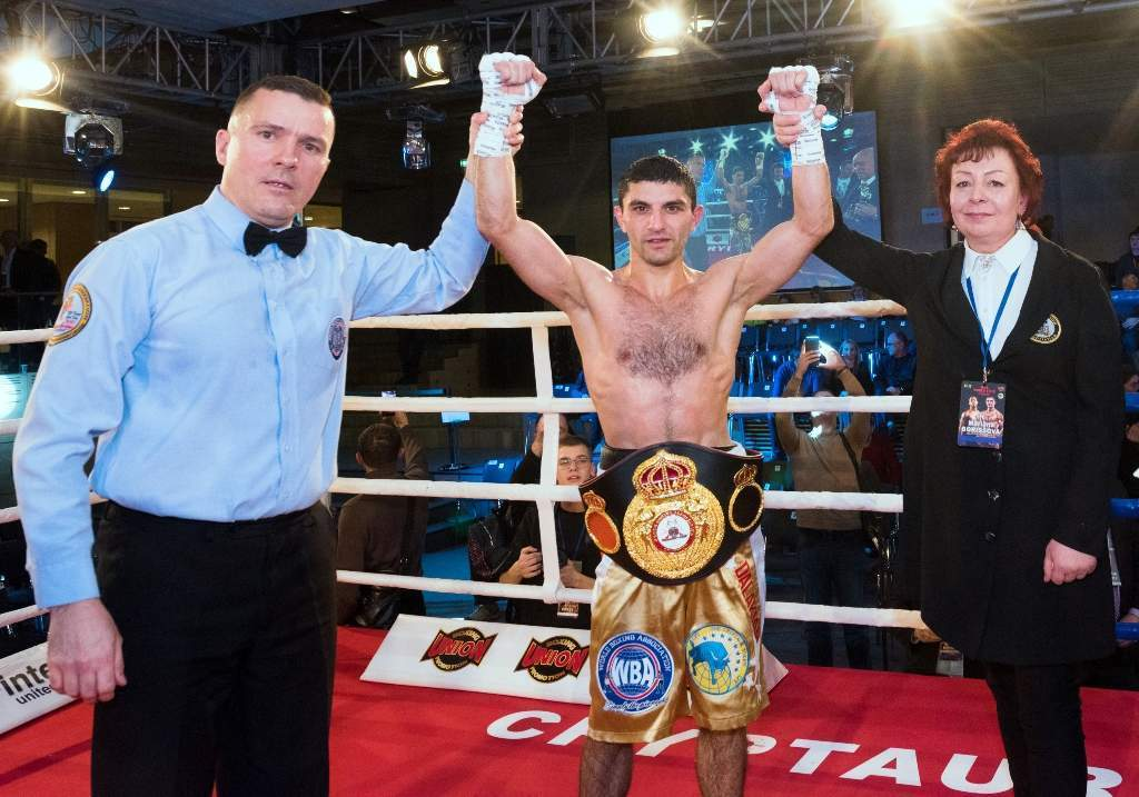 Артем Далакян із чемпіонським поясом WBA
