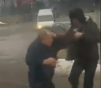 Маршрутчик чуть не забил: в Черновцах произошел вопиющий инцидент с ветераном АТО