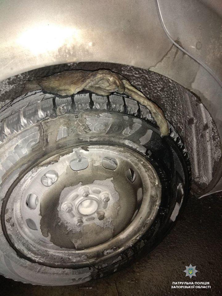 В Запорожье злоумышленник пытался сжечь автомобиль