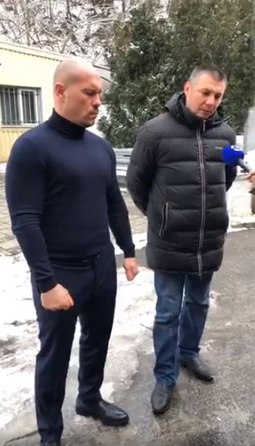 Мельников рассказал журналистам свою версию