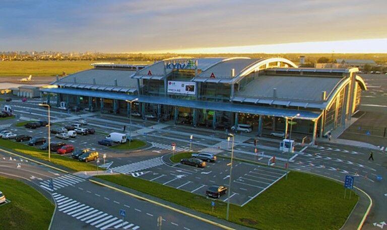Закриття аеропорту ім. Сікорського: чому Київ не може допустити втрати своїх повітряних воріт