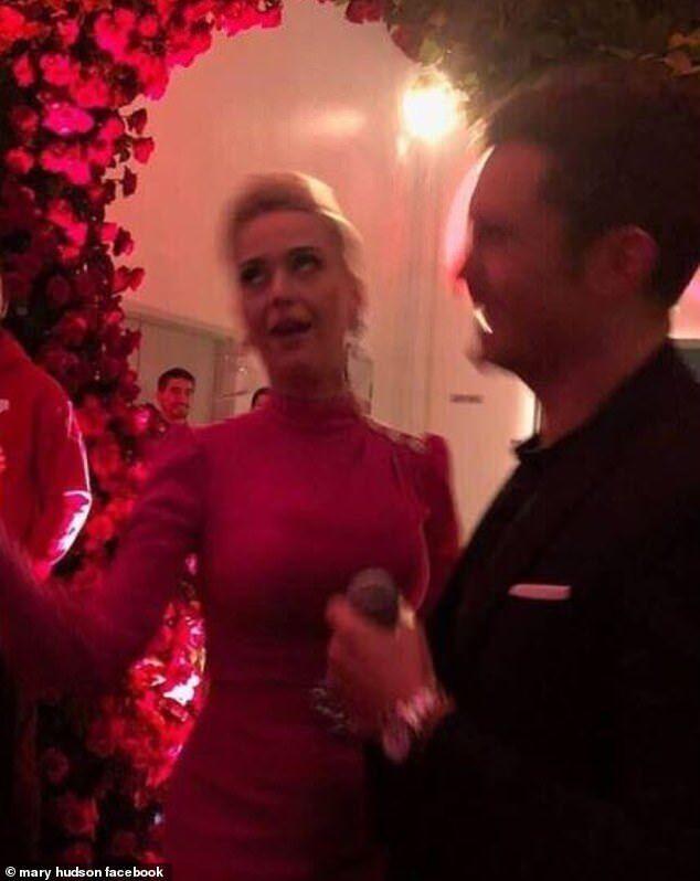 Перрі та Блум оголосили про заручини: фото