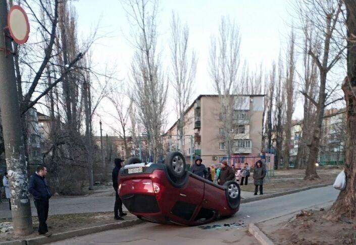 В Мелитополе пьяный водитель перевернулся на своем автомобиле (ВИДЕО)