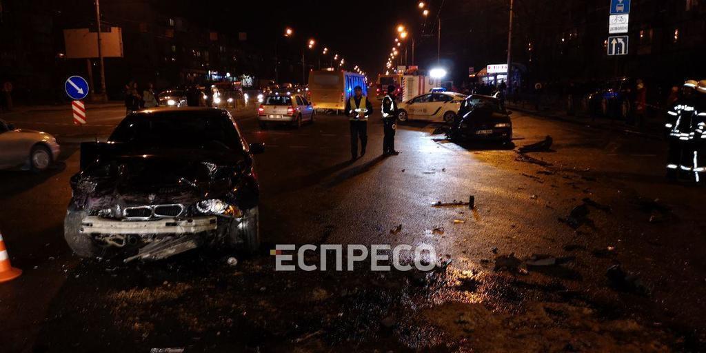 У Києві авто на єврономерах влаштували жорстку ДТП