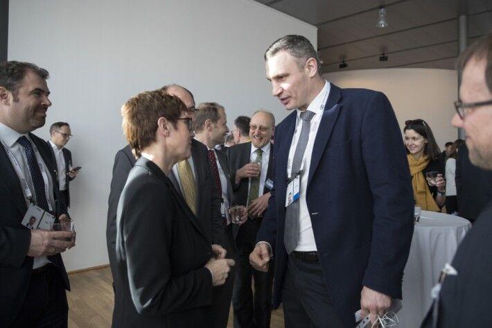 Кличко: Захід цікавить фінал президентських виборів в Україні