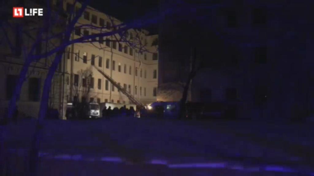 В России обрушился университет: под завалами десятки людей