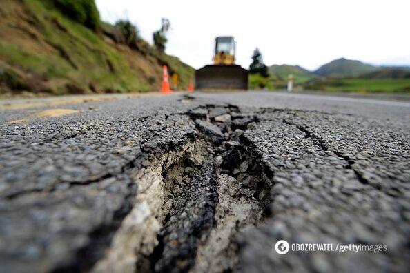 """В """"Укравтодоре"""" рассказали, как будут ремонтировать дороги"""