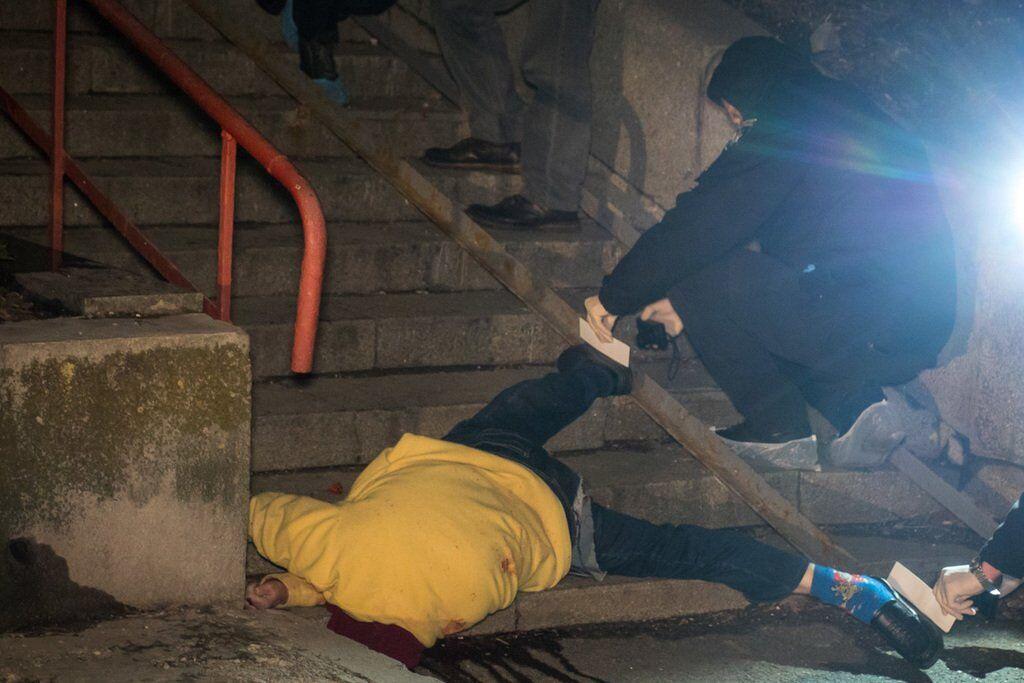 В Киеве женщина выпала из окна высотки