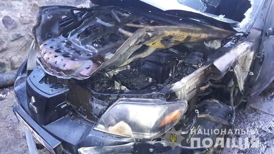 Под Киевом сожгли авто депутата