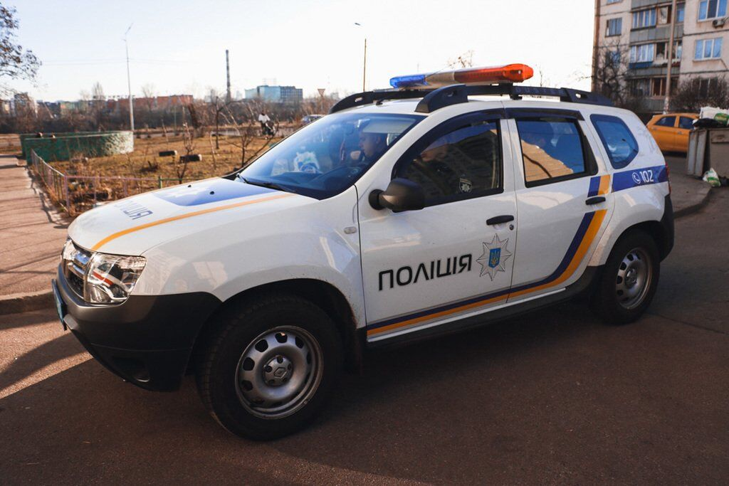 У київському під'їзді знайшли труп молодого хлопця