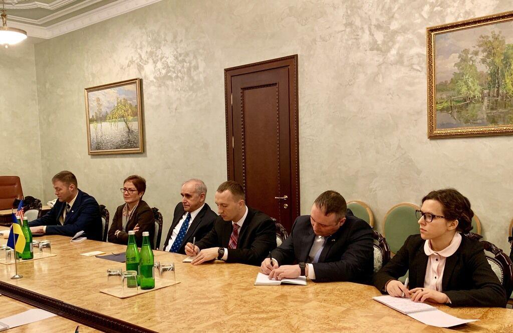 Україна почне масштабну закупівлю зброї у США